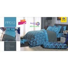 ชุดเครื่องนอนลายกราฟฟิค พื้นสีฟ้า PP012 Satin Plus ผ้าปูที่นอน ผ้านวมซาตินพลัส